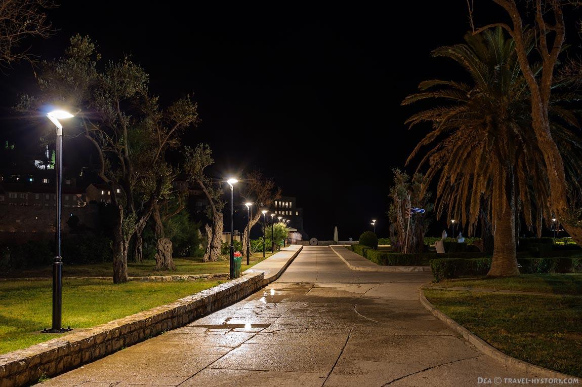 Отдых в Черногории. Ночной Свети Стефан