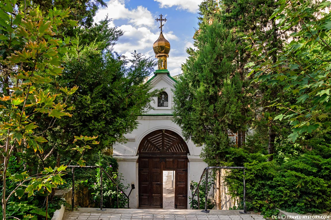 Инкерманский Свято-Климентовский пещерный монастырь