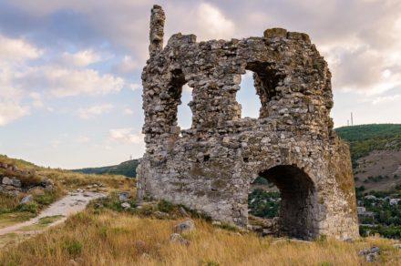 Средневековая крепость Каламита