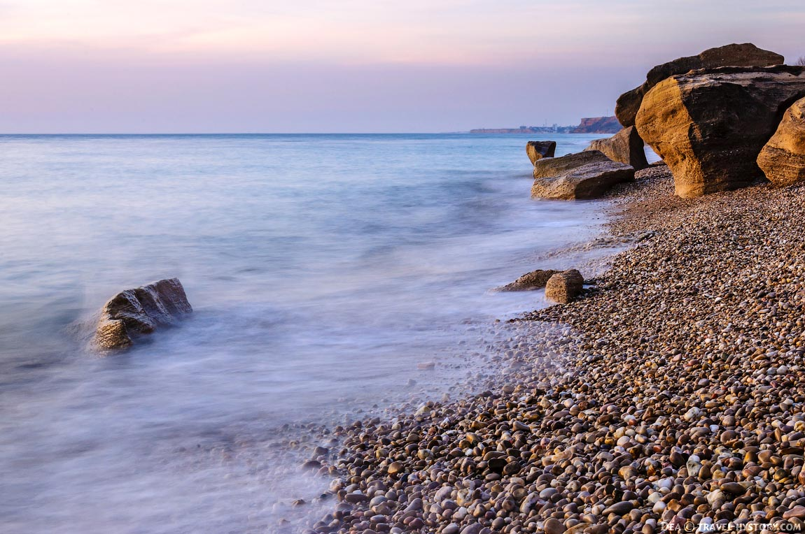 Закат на пляже Любимовка: фото