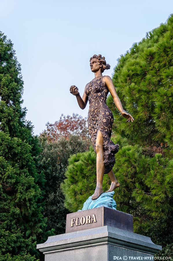 Богиня Флора