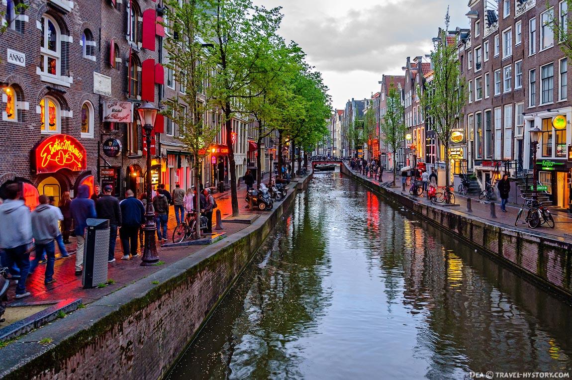 Амстердам: улица Красных фонарей