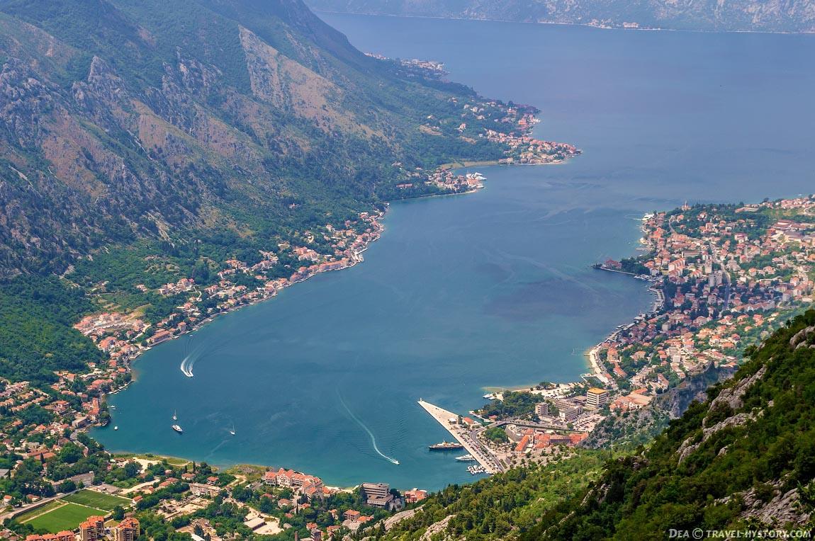 Черногория. Вид на Бока-Которскую бухту