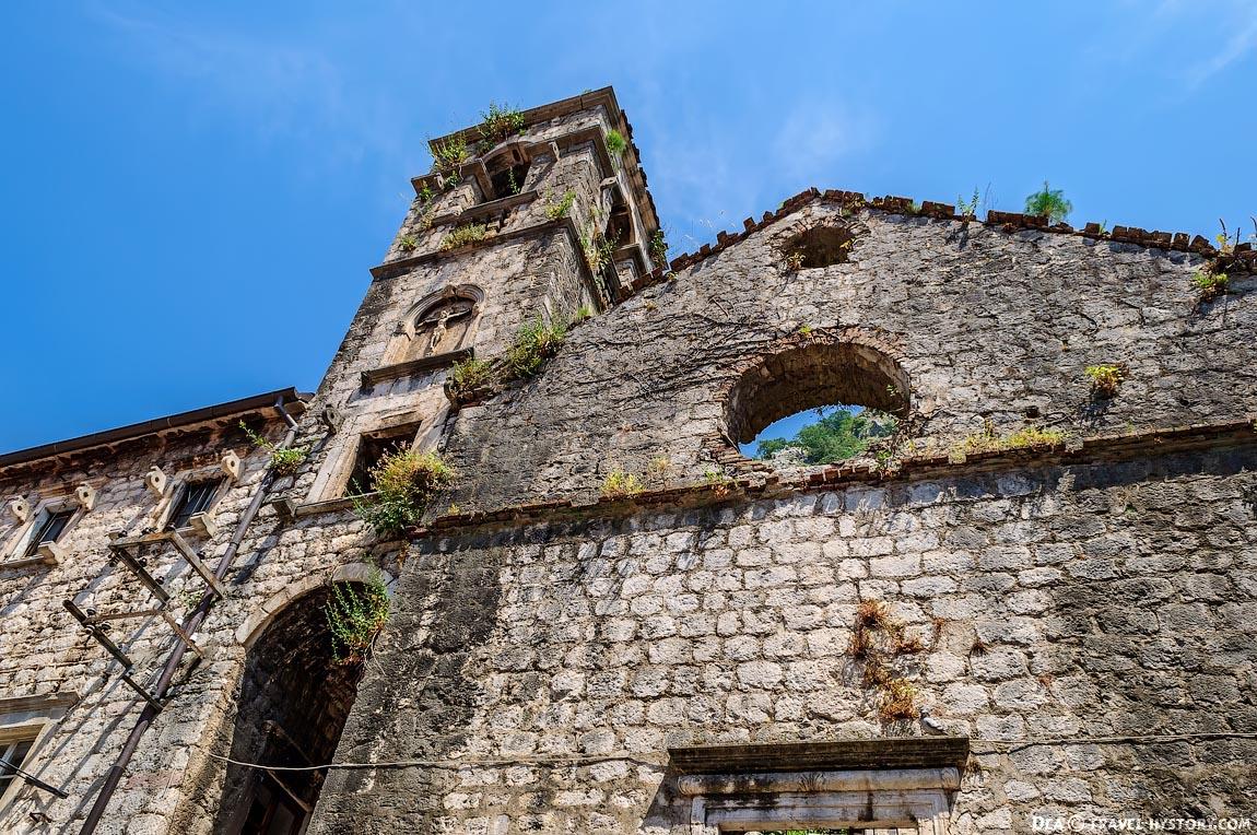 Котор. Монастырь Святого Франциска