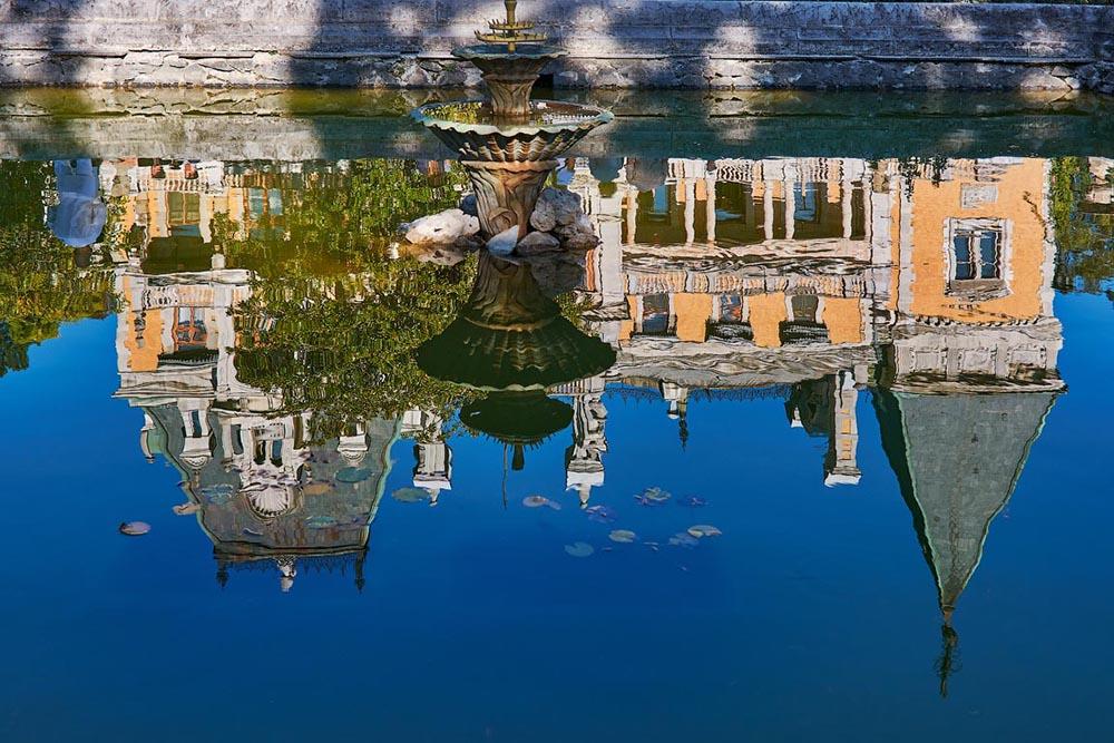Отражение Массандровского дворца