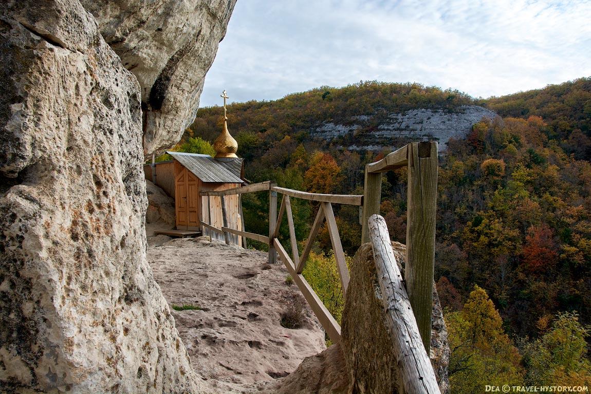 Пещерный монастырь Челтер-Коба в Крыму