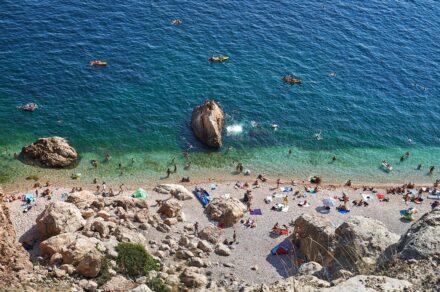 Пляж «Васили» в Балаклаве: как добраться и стоит ли ехать?